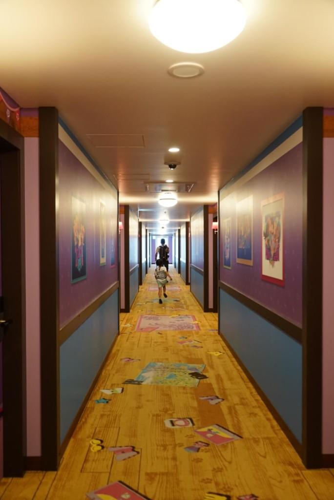 レゴランドホテルのフレンズ階の廊下