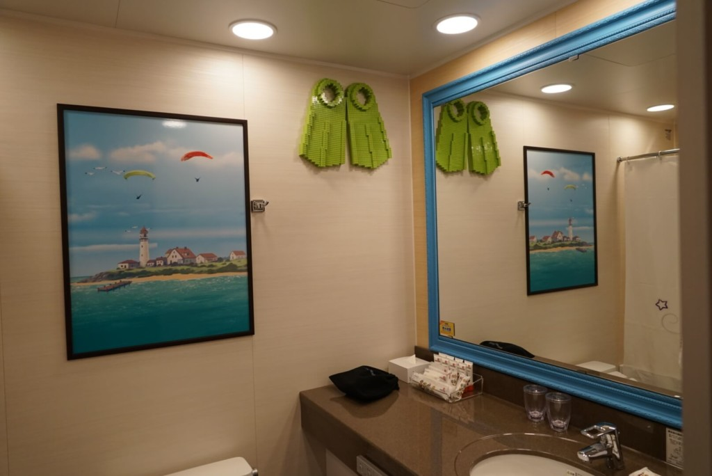 レゴランドホテルのプレミアムフレンズの部屋のバスルーム