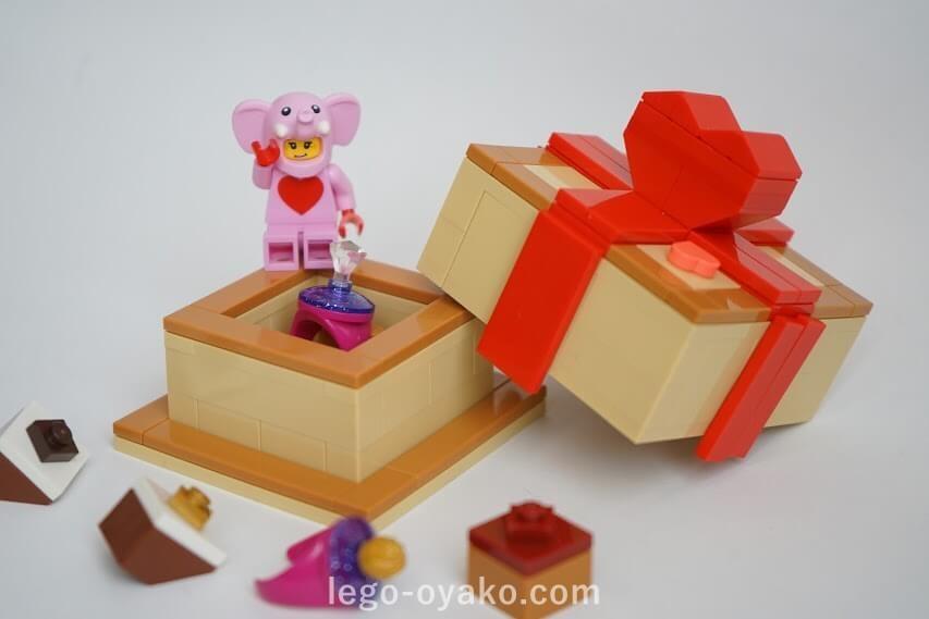 レゴで作ったボックス(箱)とチョコレート
